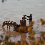 Prélèvement d'eau pour usage domestique - Fada N'Gourma (Burkina Faso)